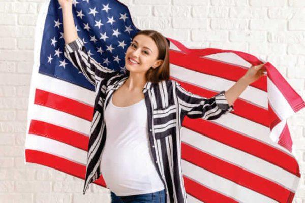 Porque os Estados Unidos estão restringindo os vistos para gestantes